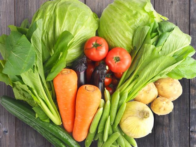 食前に野菜を食べ、1年半で20kg減量。自然な糖質制限が勝因