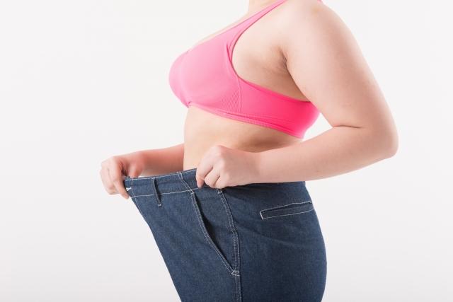糖質制限をするとお腹の脂肪が落ちるのはなぜ?